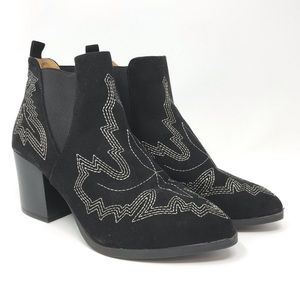 $50 Ladies BKE Western Stitching Ankle Boots 7 Med